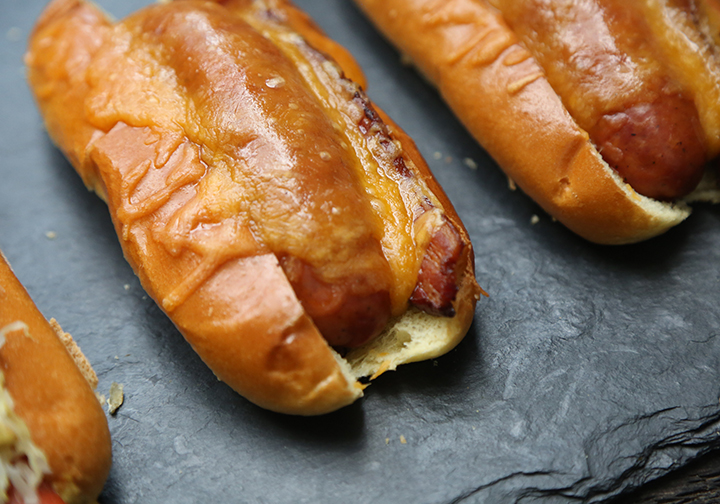 Plymouth Artisan Cheese Cheddar Brats